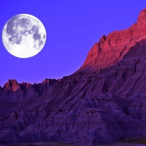 bigstock-Full-Moon-In-The-Badlands-507623151-440x440